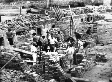 Am Vorwerk entstehendie ersten Wohnneubauten nach dem Ende des Zweiten Weltkrieges - Dieter Oemler