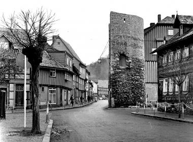 Johann-Sebastian-Bach-Straße 7 und 16 vor dem Abriss - Dieter Oemler