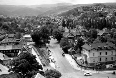 200 Jahre später: Das Hasseröder Tal vom Turm des Westerntores aus gesehen. - Dieter Oemler