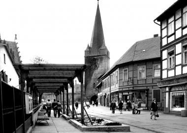 Die neu gestaltete Westernstraße mit einer Pergola. - Dieter Oemler