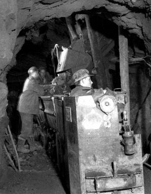 """Abbau von Eisenerz in der Grube """"Büchenberg"""" in den 1960er Jahren - Dieter Oemler"""