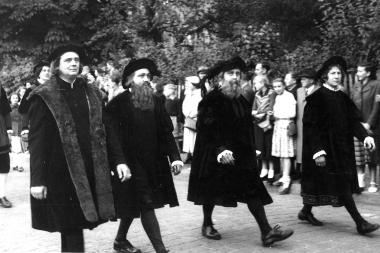 """Die """"historischen Ratsherren"""" zur Feier des 725-jährigen Stadtjubiläums 1954 - Dieter Oemler"""