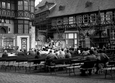 """Die """"Städtischen Bühnen Nordhausen"""" mit der Oper """"Der Waffenschmied"""" - Dieter Oemler"""