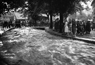 Überschwemmung nach extremem Starkregen (Aufnahmedatum unbekannt) - Mahn- und Gedenkstätte Archiv