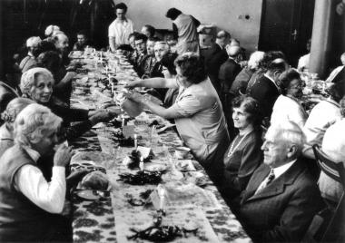 Rentner-Weihnachtsfeier - Mahn-und Gedenkstätte Archiv