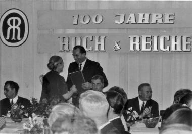 """Die Firma """"Roch und Reiche"""" feiert 100-jähriges Jubiläum. - Mahn-und Gedenkstätte Archiv"""