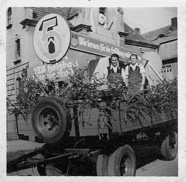 1. Mai im VEB Holzbau Wernigerode - Helga Schwendler