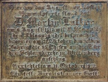 Inschrift auf dem Gedenkstein von Martin Luther © Wolfgang Grothe