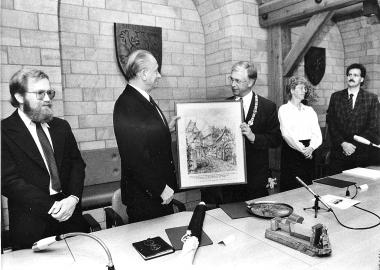 Bürgermeister Kilian (2. von links) beim Empfang einer Delegation aus Neustadt/Weinstraße - Neustadt/Weinstraße