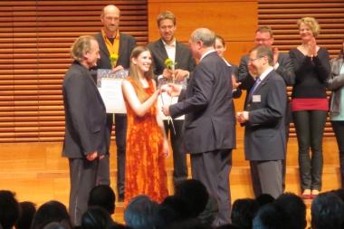 Urkundenübergabe für den Chor des Musikgymnasiums 2014 - Peter Habermann