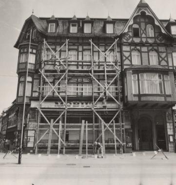 Neuanstrich am Marktplatz - Stadtarchiv Wernigerode (Archiv Dieter Möbius)