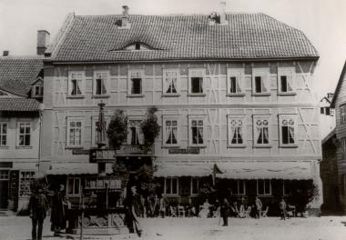"""Hotel """"Weißer Hirsch"""" um 1870 - Harzbücherei Wernigerode"""