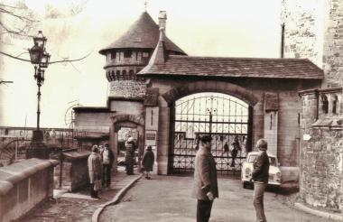 Eingang zum Schloss - Mahn-und Gedenkstätte Archiv