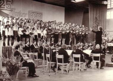 """Festveranstaltung """"25 Jahre DDR"""" - Archiv Mahn- und Gedenkstätte"""