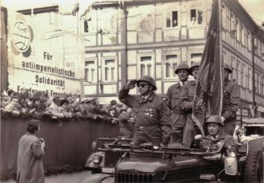 Demonstration zum 1. Mai - Archiv Mahn- und Gedenkstätte