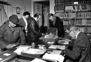 Leser in der Volksbücherei Wernigerode - Dieter Oemler