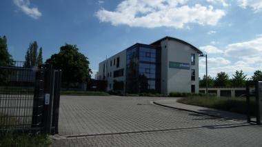 """Produktionsgebäude von """"asco-pharm"""" Am Bruchanger © Wolfgang Grothe"""