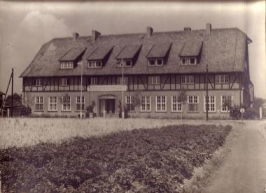 Ehemalige Fachschule für Landwirtschaft in der Kurtsstraße - Manfred Fuhlroth