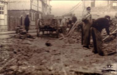 Aufräumarbeiten in Wernigerode - Mahn-und Gedenkstätte Archiv