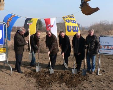 """Erster Spatenstich für das neue Industrie- und Gewerbegebiet """"Smatvelde"""" - Wirtschaftsförderung Stadt Wernigerode"""