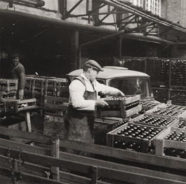 In der Hasseröder Brauerei (undatiert) - Michael Weiß