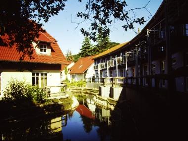 """Touristenunterkünfte im """"Ferienpark Hasserode"""" © Wolfgang Grothe"""