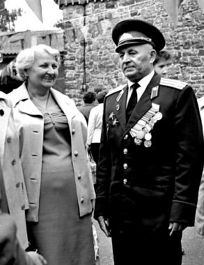 Der erste sowjetische Stadtkommandant in Wernigerode, Oberst StepanMaksimowitschMisko, besucht mit seiner Gattin 1979 Wernigerode zum 750. Stadtjubiläum - Dieter Oemler