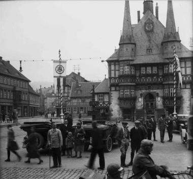 Blick auf den Marktplatz um 1934 - Willi Pragher