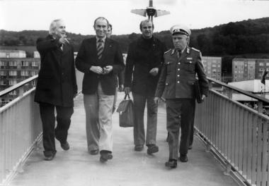 Einweihung der Fußgängerbrücke (Bürgermeister Martin Kilian - 2. von links)         - Stadtverwaltung Wernigerode