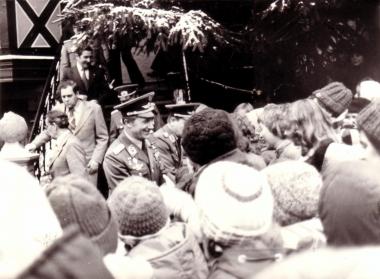 Begeisterter Empfang des ersten DDR-Kosmonauten Sigmund Jähn - Archiv Mahn- und Gedenkstätte