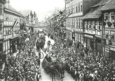Festumzug am 1. Juli 1926 aus Anlaß des 475jährigen Bestehens des Schützenvereins - Dieter Oemler