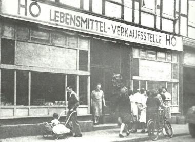 Die HO übenimmt den ehemaligen Feinkostladen von Großhennig in der Westernstraße - Dieter Oemler