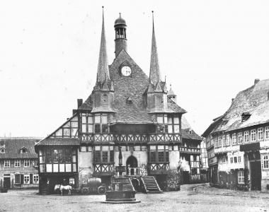 Rathaus und Markt - Dieter Oemler
