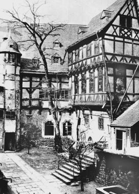 Der Innenhof des Schlosses 1862 vor demUmbau zum Repräsentationsschloss - Dieter Oemler