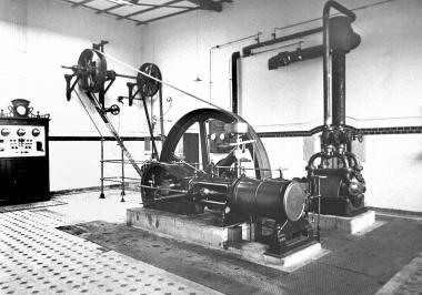 Dampfmaschine zur Stromerzeugung für den Schlachthof - Dieter Oemler