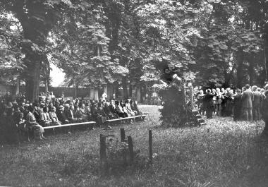 Gottesdienste im Lustgarten zum Gedenken der Opfer des 1. Weltkrieges - Dieter Oemler