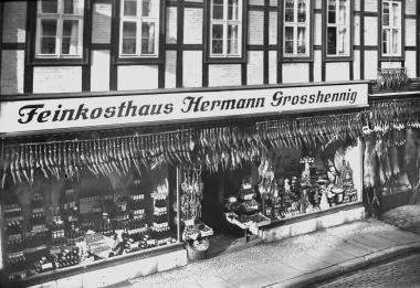 Feinkostgeschäft Großhennig in der Westernstraße 14 um 1930 - Dieter Oemler