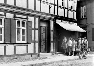 Fleischerei Schmidt in der Mittelstraße 1964 - Dieter Oemler
