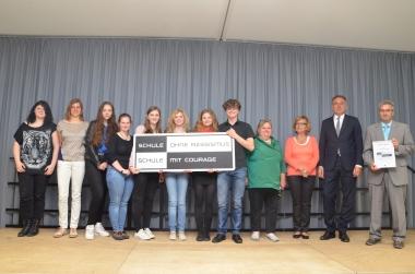 Stadtfeld-Gymnasium wehrt sich mit Courage gegen Rassismus - Katrin Schröder