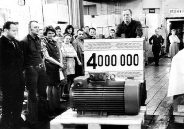 Viermillionster Motor im Elmo - Mahn-und Gedenkstätte Archiv
