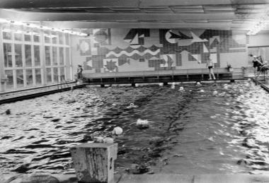 Schwimmhalle 1973 - Mahn-und Gedenkstätte Archiv