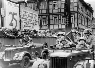 Kampfgruppen-Hundertschaft zum 1. Mai - Mahn-und Gedenkstätte Archiv