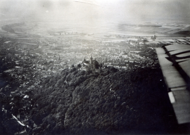 Luftaufnahme vom Schloss Wernigerode - Fotothek Harzbücherei