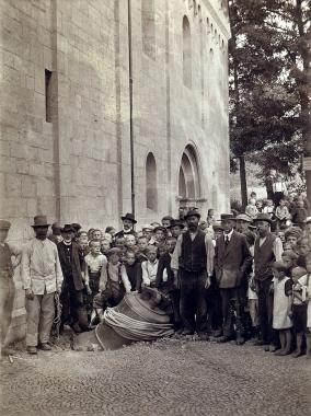 Ablieferung der Glocke im Ersten Weltkrieg 1917 - Fotothek Harzbücherei