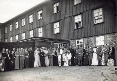Hochzeit von Thilo von Werthern, Graf und Herr von Werther-Beichlingen und Prinzessin Walpurgis zu Stolberg-Wernigerode 1943 - Fotothek Harzbücherei