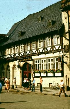 """Hotel """"Gothisches Haus"""" - Stadtarchiv Wernigerode"""