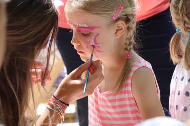 Ein buntes Kinderfest mit vielen Stationen feierten die Kita Löwenzahn und Kita Pusteblume zum 35. Jubiläum. - Winnie Zagrodnik