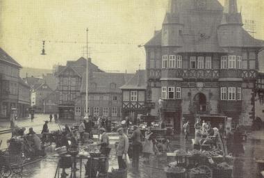 Marktnach einem Regenguss um 1930 - Stadtarchiv Wernigerode