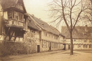 Oberpfarrkirchhof 1898, links das Gadenstedtsche Haus - privat