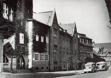 Postgebäude 1930 fertig gestellt - Gerhard Bombös